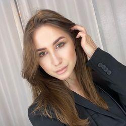 Alena - LuxuryLoft