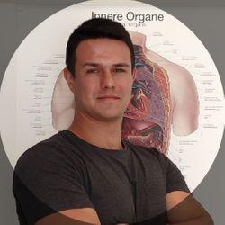 Piotr Olejniczak - HoliClinic - fizjoterapia, dietetyka, psychologia