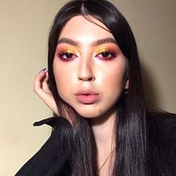 Wiktoria - Klaru Lashes Makeup Nails
