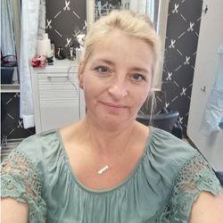 Gabi - Salon Fryzjerski Comtesse Tarchomin Carrefour