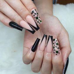 Tomek ( Ngoc) - Lisa Nails & Lashes