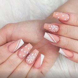 Karolina - Lisa Nails & Lashes