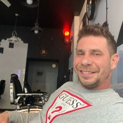 Mateusz NOWAKOWSKI - Ladies & Gentlemen Barber Shop