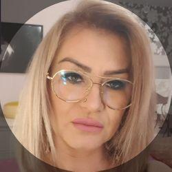 Iwona Stobiecka  właściciel - Salon LaChar