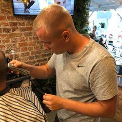 Adam - Slow Barber Shop&Cafe