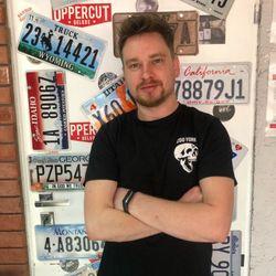 Mateusz Szefczyk - Garaż Barber House 2