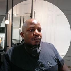 Vusi Mkhanazi - Sonnymagic Hair