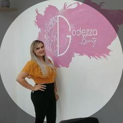 Alicia Quizon - Godezza Beauty